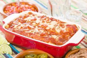 enchiladas de frango e chouriço foto