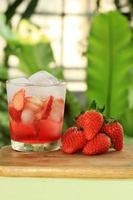 suco de refrigerante de morango foto