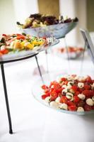 mussarela, tomate e salada foto