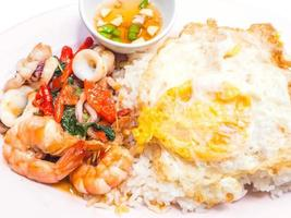 comida tailandesa picante, sice com curry foto
