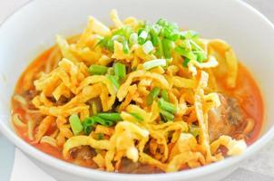 khao sawy, macarrão tailandês do norte sopa de caril, macarrão, soja khao foto