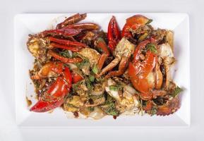 cozinha tailandesa, caranguejo frito com curry em pó foto