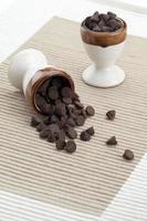 pequenos pedaços de chocolate