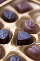 close-up tiro da caixa de chocolates foto