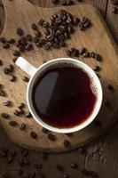 café preto orgânico escuro