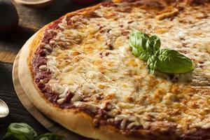 pizza caseira de queijo quente