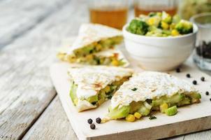 brócolis milho abobrinha quesadilla foto