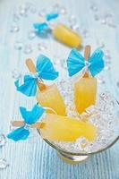 sorvete de frutas picolé foto