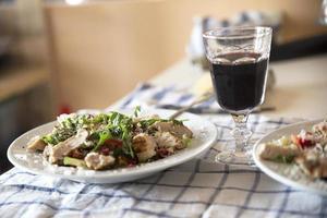 salada de frango grelhado foto