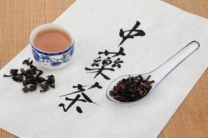 chá de ervas oolong foto