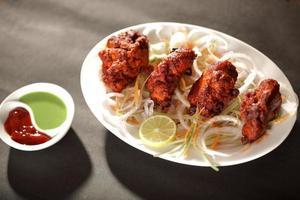 carne de carneiro tikka é um prato indiano / paquistanês foto