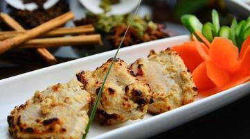 pedaços de frango indiano foto
