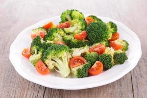 salada de brócolis foto