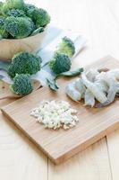 ingrediente de brócolis e camarão