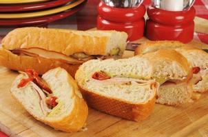sanduíche de peru fatiado foto