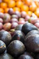 abacate no mercado de friuts foto