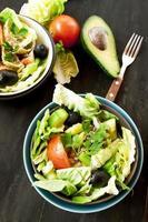 saladas de vegetais saudáveis foto
