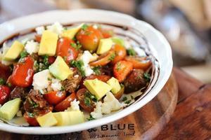 salada de abacate foto