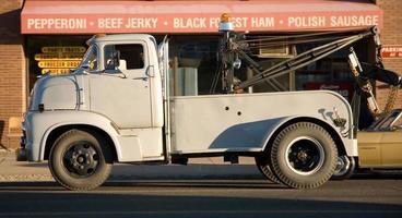 caminhão de reboque do vintage foto