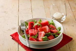 salada de melancia e rúcula foto