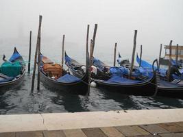 barcos de gôndola venetia