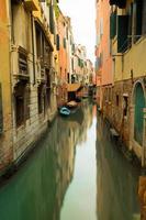 canal de água maravilhoso em Veneza