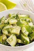 salada de pepino fresco foto