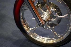 roda da motocicleta foto