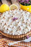 torta de merengue de limão foto