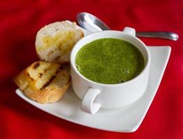 sopa de espinafre foto