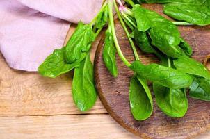 legumes na placa de madeira