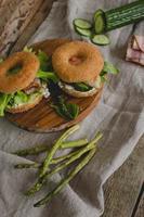 sanduíche de rosquinha foto