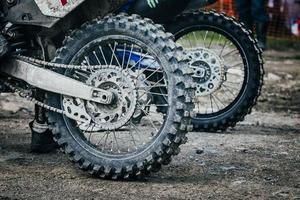 roda de bicicleta de enduro foto