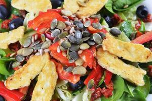 salada de espinafre fresco foto