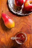 geléia de frutas saborosa foto