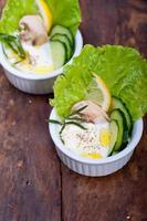 salada de molho de queijo de alho orgânico fresco foto