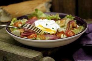 salada de bacon e alface foto