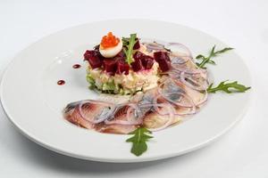 salad vs salmon foto
