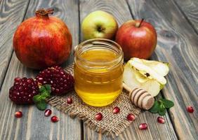 romã e maçã de mel