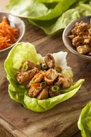 envoltório de alface frango saudável asiática