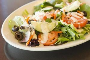 salada grega orgânica foto