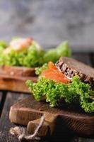 sanduíche com frutos do mar foto