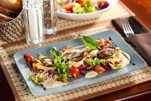 salada de carne foto