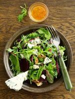 salada com beterraba, queijo azul, foto