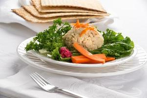 Páscoa judaica tradicional gefilte peixe foto