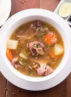 sopa rabo de boi indonésio ou sop buntut foto