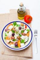 salada grega tradicional da vila foto
