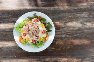 comida limpa, saladas de atum foto