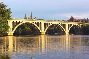 ponte de francis scott key em washington dc, eua foto