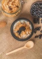 flocos de cereais no café da manhã foto